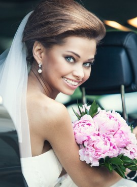 Bruidskapsel donkerblond haar