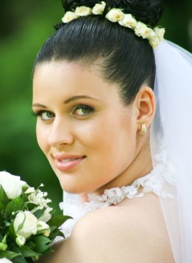 Bruidskapsel zwart haar